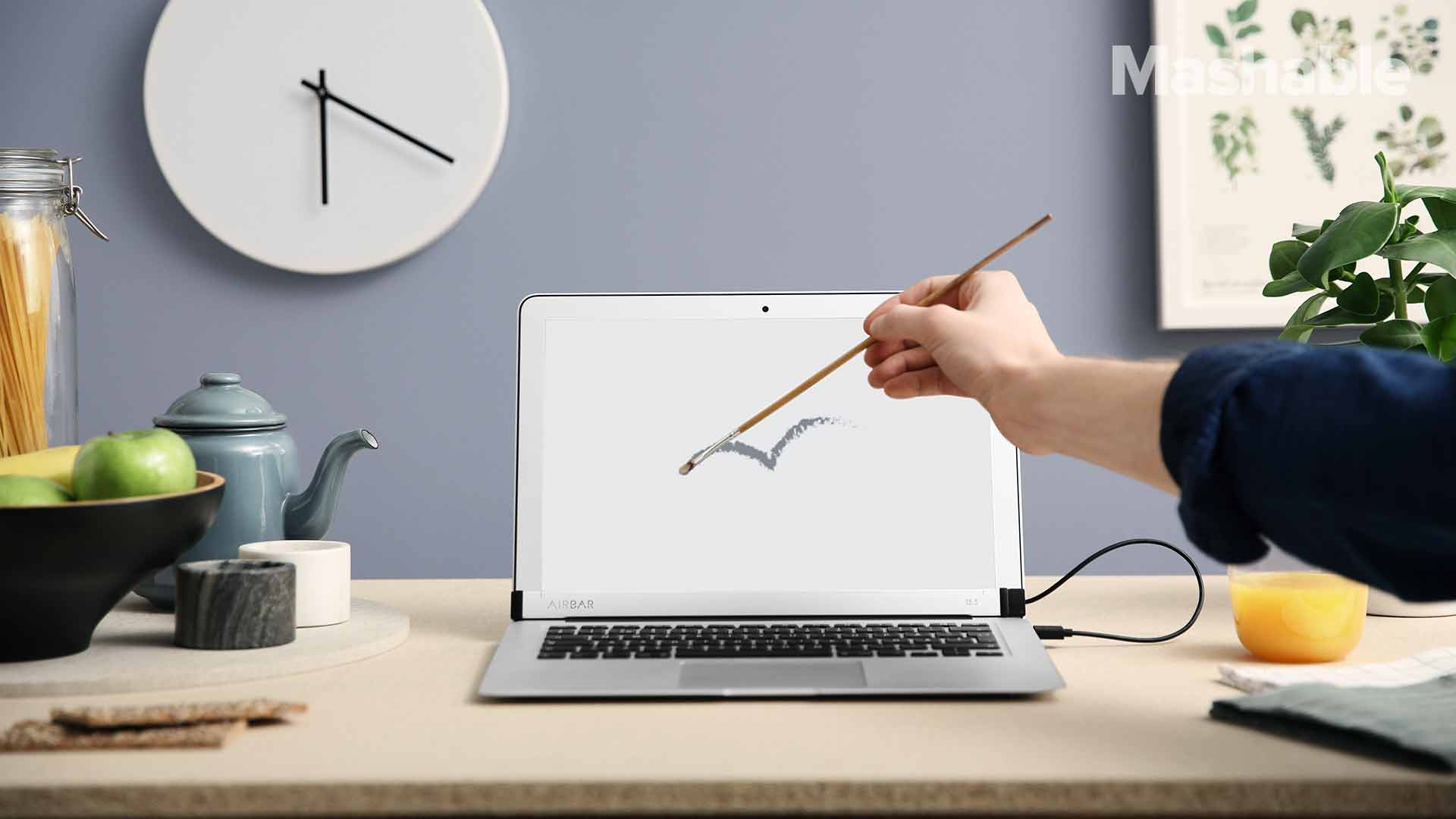 Turn your laptop into a touchscreen with this ingenious magnetic bar https://t.co/w9nO9y9JIC