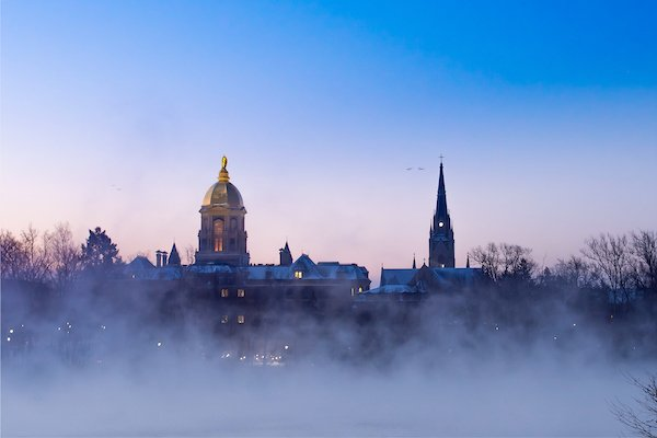 Happy Friday from Notre Dame (photo by @mattcashore '94)! https://t.co/l5wS7imdfk