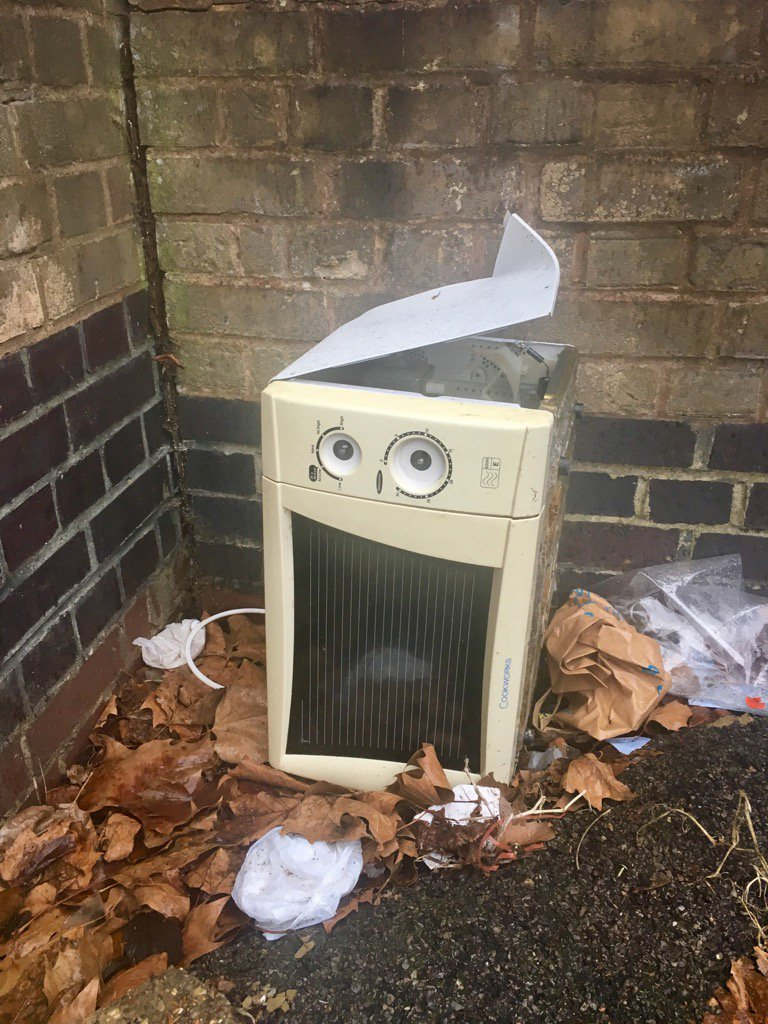 Found an old microwave who'd banged his head and is now off his tits and can't stop laughing. https://t.co/h5g712r7bU