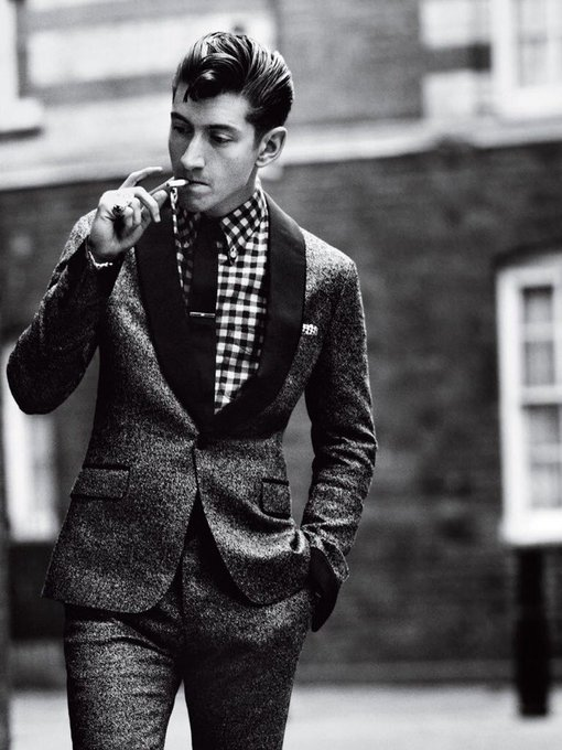 Happy birthday Alex Turner you absolute G