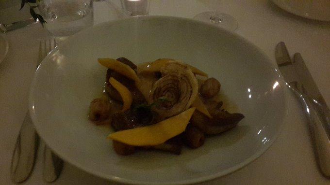 Merci @stephanecarella  pour l'accueil et ce superbe repas a la @lavillanavarre avec @JacquieMichelX3