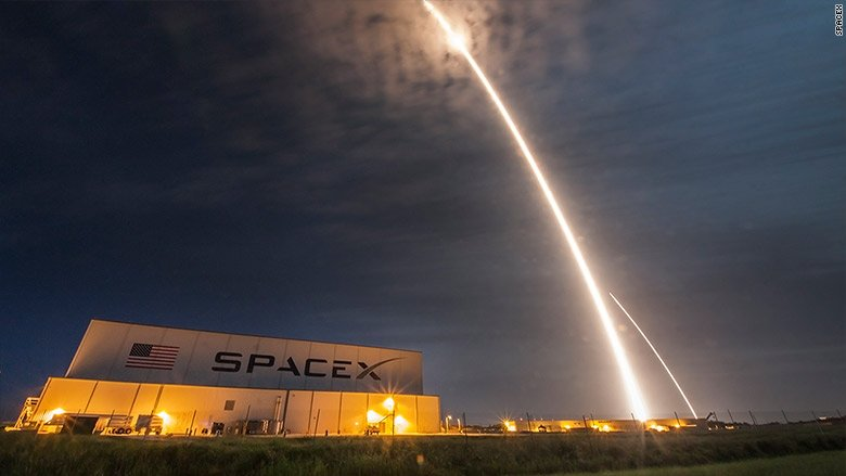 SpaceX gets green light days before scheduled launch
