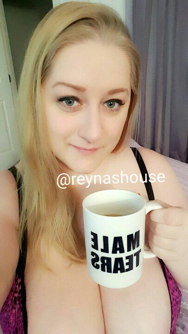 Good morning! Come see me on cam! https://t.co/90KebdtBPL #coffee #bigtits #webcam #allthehashtags #bbw