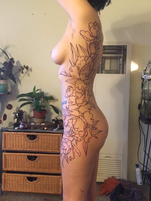 Woohoo tattooed! 🌻 #SexySaturday #tattoedgirls #girlswithtattoos https://t.co/GXDZOXcCLj
