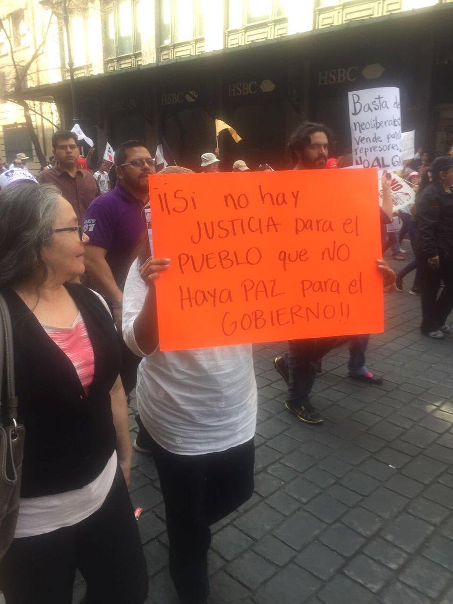 Si no hay justicia para el pueblo que NO haya paz para el gobierno. #gasolinazo #CDMX https://t.co/XinhsZM0ET