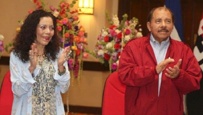 Ortega y Murillo reciben credenciales para gobernar Nicaragua