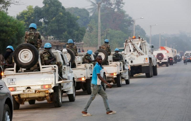 Ivory Coast mutineers free defence minister, others - witness