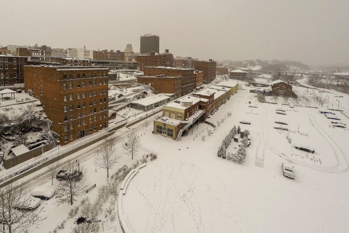 Winter storm coats parts of South, heads toward New England