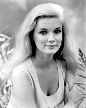 YVETTE MIMIEUX 75 Today HAPPY BIRTHDAY.. The Time Machine 1960 Dark of the Sun 1968 both with Rod Taylor.