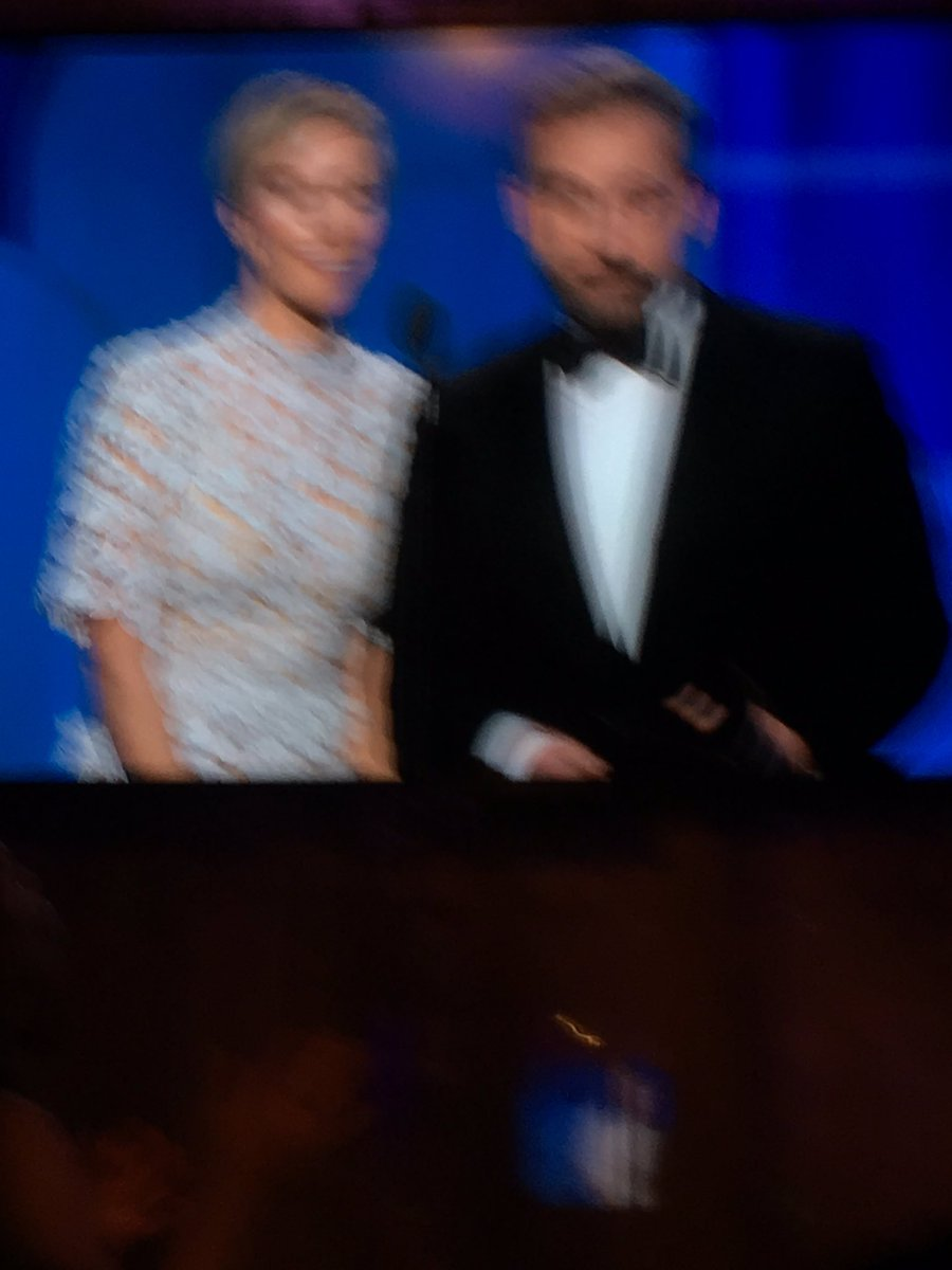 @SteveCarell Yoiu are a genius. I laughed so hard I couldn't get the shot. https://t.co/yhQXRBYa19