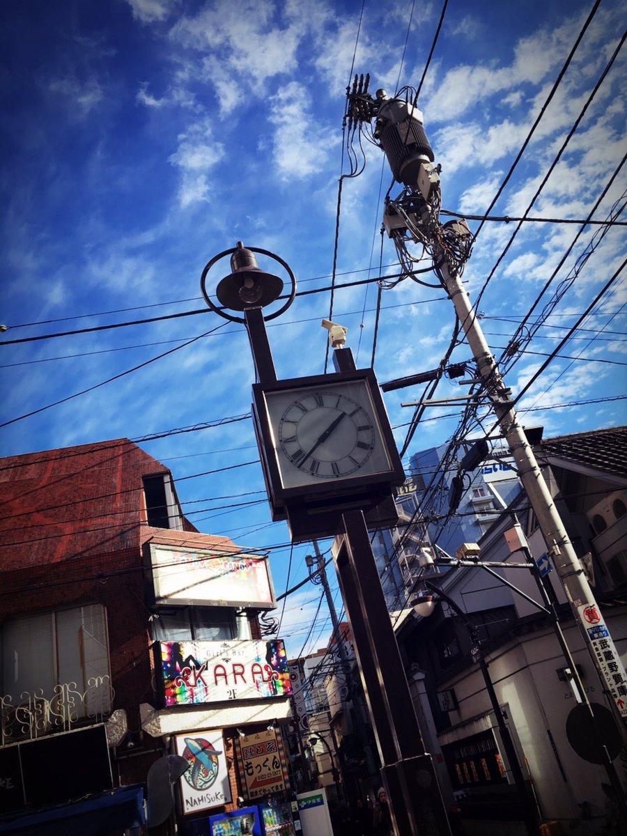 ⚡️オカルティックナイン聖地巡り⚡️⑤作中の時計ちーちゃんとみゅうポムの帰り道ガモたんがサライに追いかけられた場所成明