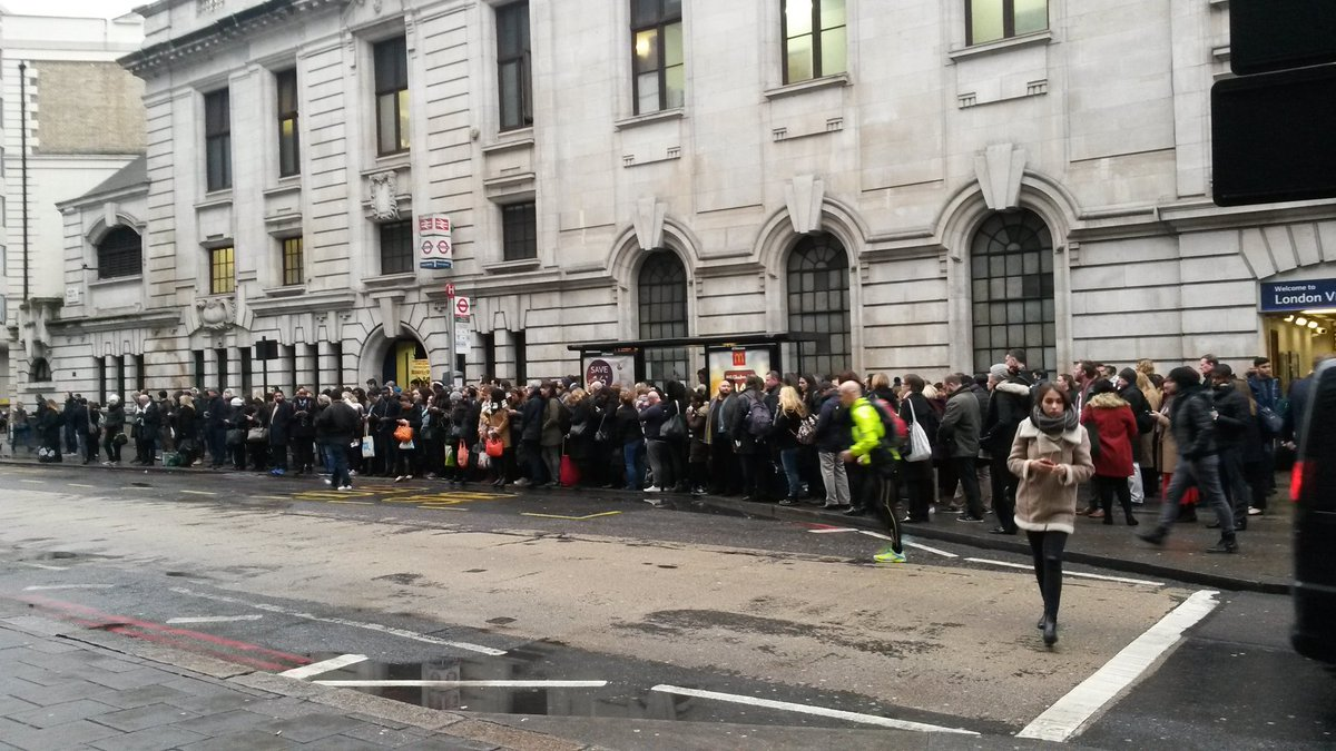 People waiting for buses outside Victoria today #TubeStrike https://t.co/I1ywqNjdMy