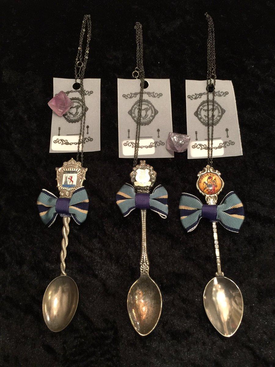 【Traumerei】の匣から…新春の言祝ぎと伴に御紹介。『アンティークスプーンのネックレス』各 3,800円銀の匙を持