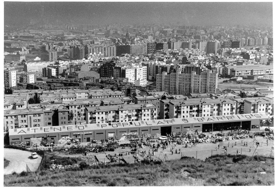 Avui fem 40 anys, i ho celebrem recordant l'efemèride. Un matí de 1977....  https://t.co/MK8oRGVXA0 https://t.co/ftp0PKvy9T