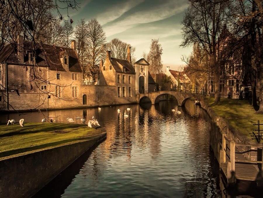 Bruges.....  #landscape #photography #travel https://t.co/jvd9PxbCEX