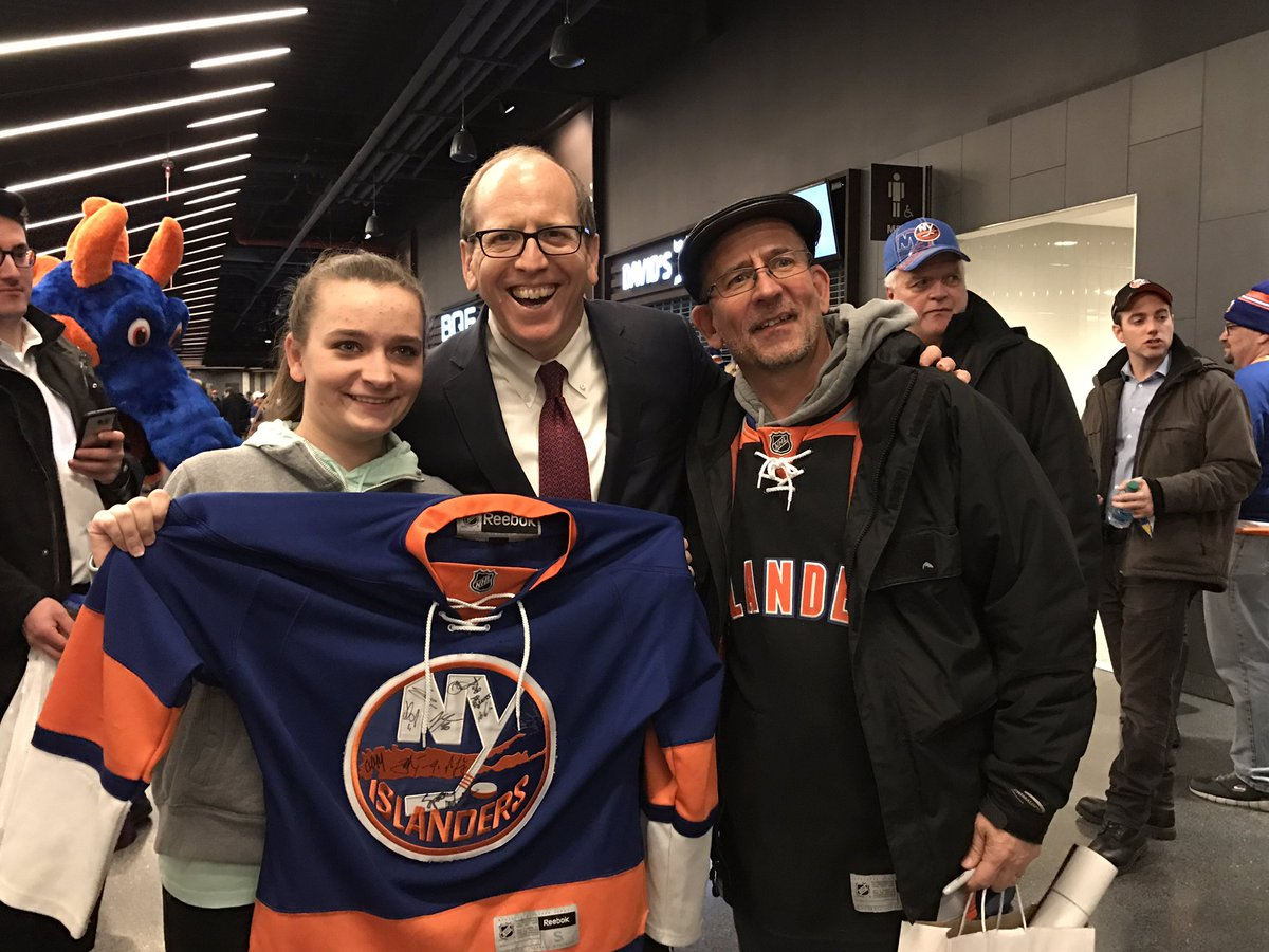 dong energy meets greets islanders