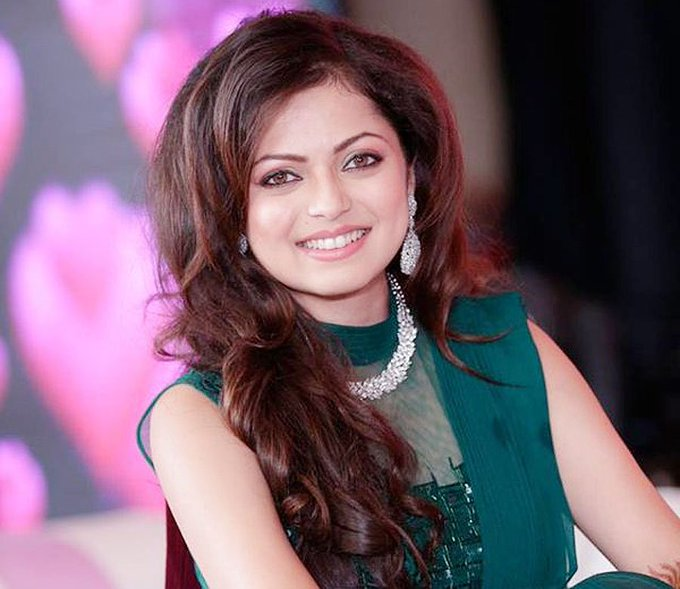 Pic Of The Day  Happy Birthday Drashti Dhami!!!