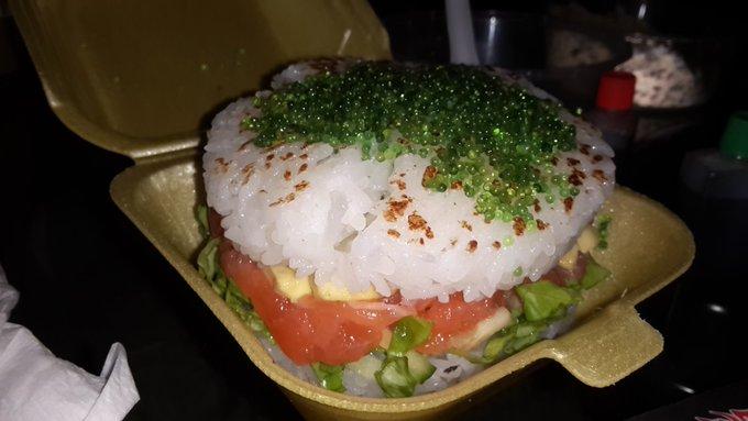Sushi Burger for lunch https://t.co/FTQNMHx4OU
