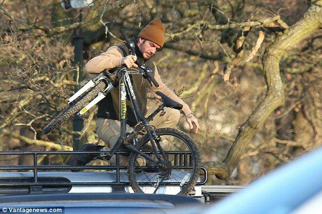 David Beckham enjoys a cycling trip with sons Romeo and Cruz https://t.co/DjapkenY2J
