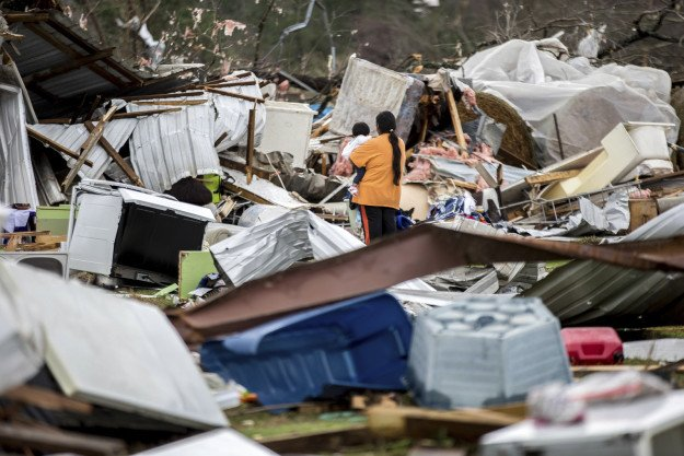 At least 16 people are dead after tornados and storms hit the southeast US https://t.co/fgnUevrAEY