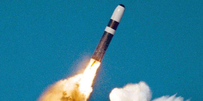 영국이 시험 발사한 탄도미사일이 엉뚱하게 미국 쪽으로 날아갔다 https://t.co/PifdhmIzOI