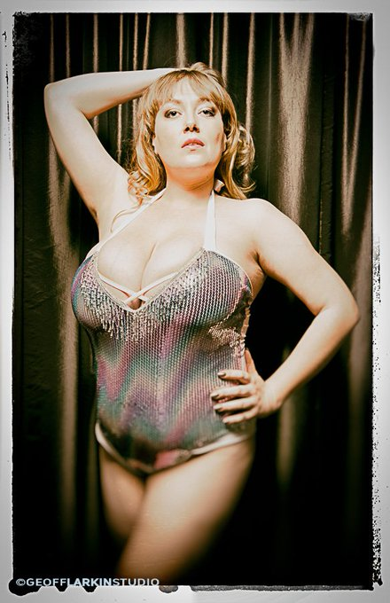 Another #RetroSabina photo. https://t.co/V4oG9xkR5d https://t.co/Y4V8TJxiRE #bbw #realbigtits https://t