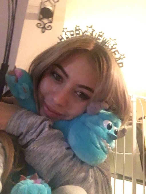 I'm a hungover princess stuck in New Years dating the blue monster under my bed https://t.co/GblHAPv