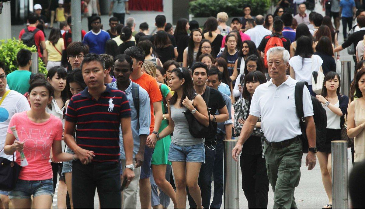 labor market in singapore