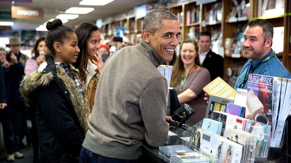 RickeySmiley : Obama shares a re