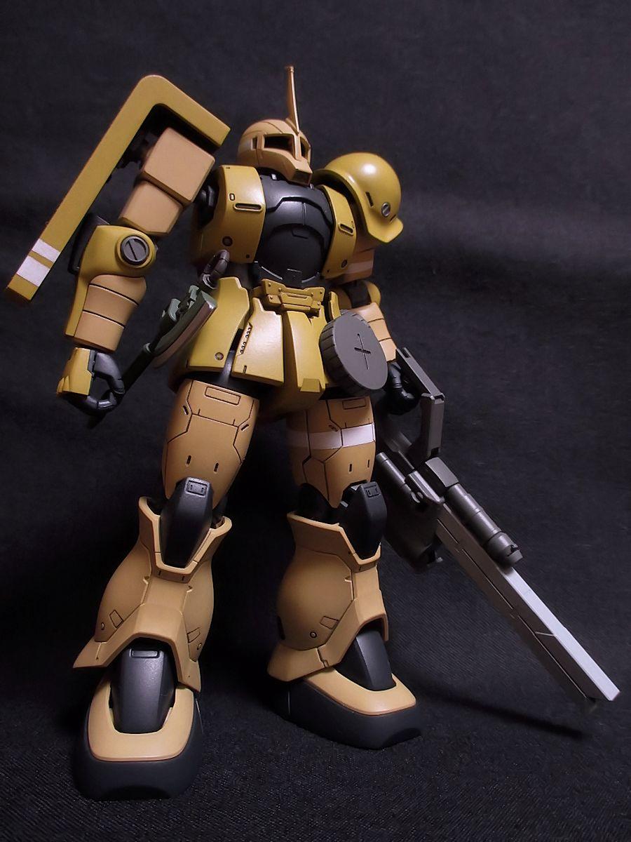 「ゲリラ風情が!!」 ザクⅠ トップ少尉専用機 追加装備の対MSランチャー。鉄血オプション武器の長距離レールガンにそれっ
