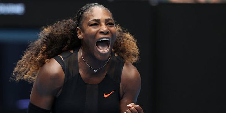 Watch Serena Williams make this reporter apologize in the ultimate queen move