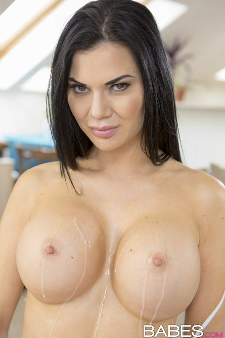 We dream of @_jasmine_jae covered in cum. https://t.co/HbcdZQH4Eq