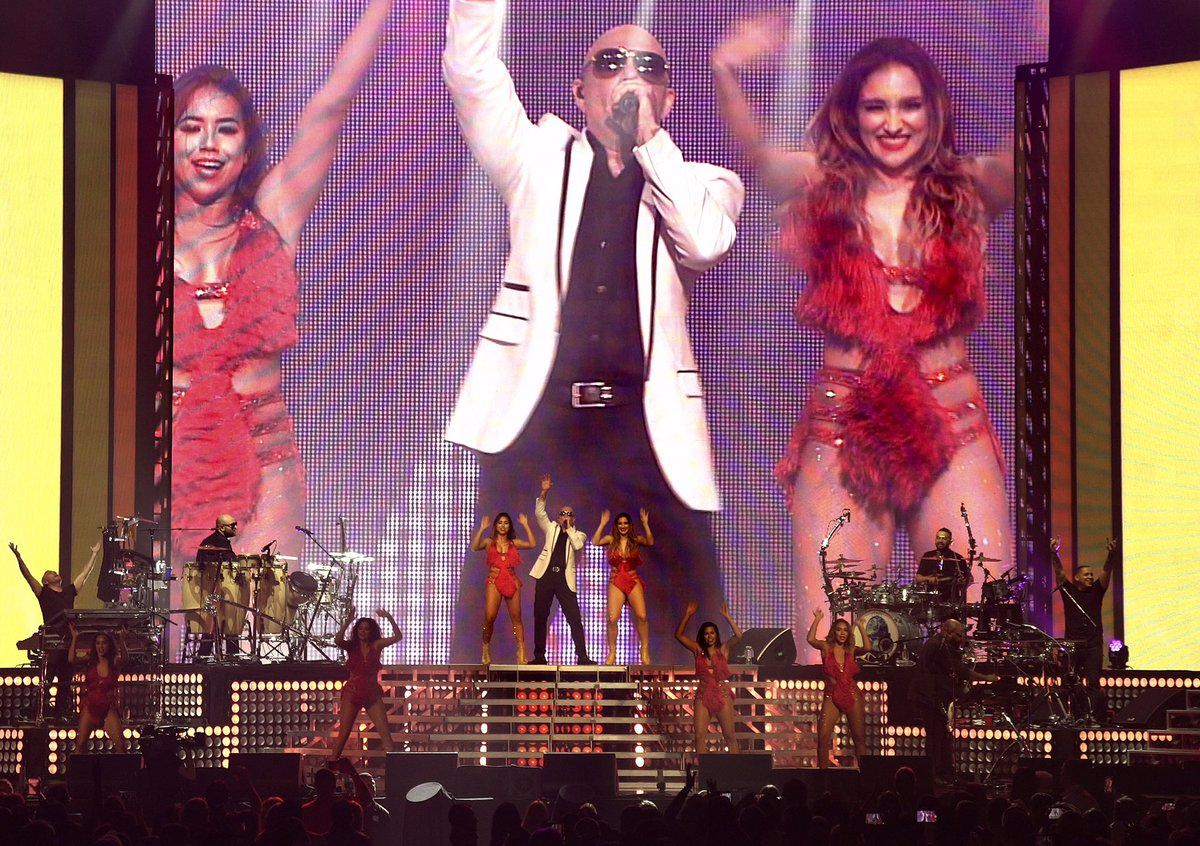Get on your feet, get moving @themostbadones #MondayMotivation #ClimateChange #MrWorldwide https://t.co/FDbE6NHfjf