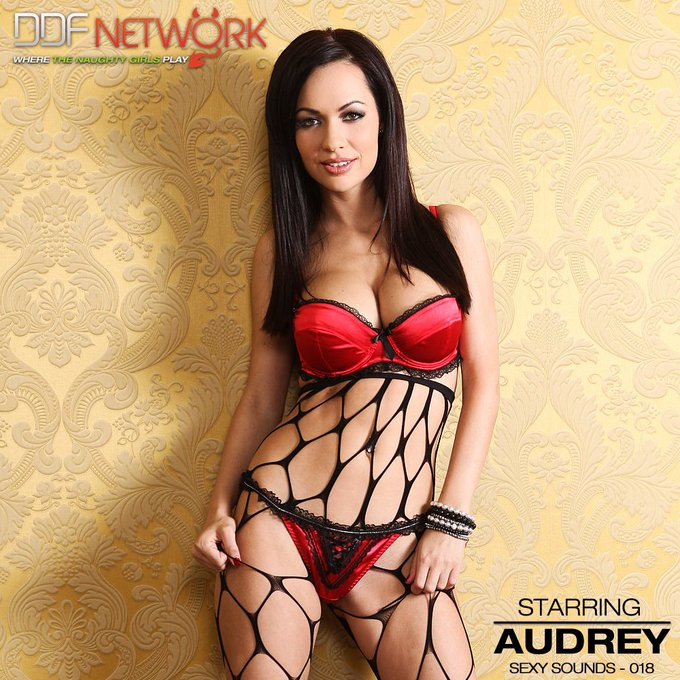 Welcome to the sexy #DDFNetwork  sounds of Audrey! https://t.co/cpGrynkbRu https://t.co/UsyzFuL4Hi