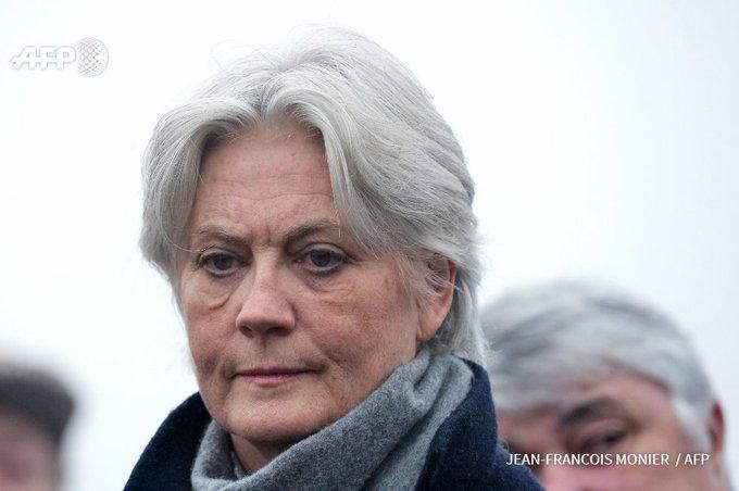 Mme Fillon était rémunérée comme attachée parlementaire, selon Le Canard  https://t.co/mspLhGjLbN #AFP