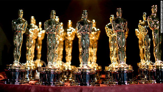 Oscars: 'La La Land,' 'Moonlight,' 'Hidden Figures' among crowded field of contenders for best picture. https://t.co/d6KgBnsRnq