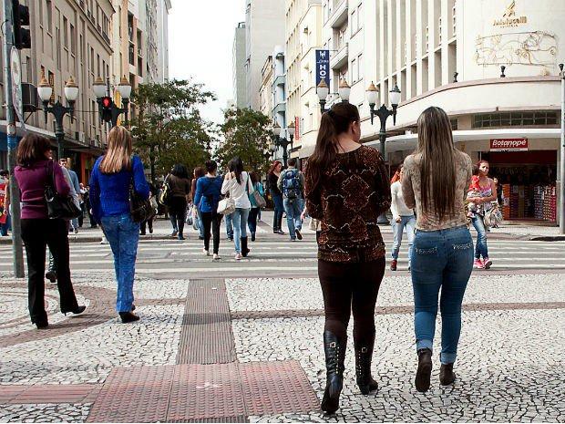 Contra o 'fiu-fiu': projeto de lei propõe multa para quem passar 'cantada' em Curitiba https://t.co/bAkWuXH0eH