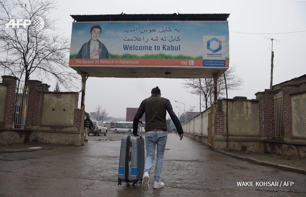 Pour les réfugiés afghans forcés au retour, une idée fixe: 'repartir' https://t.co/n35oLljYmp par @achaon #AFP