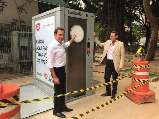 'Tirar do aperto': Doria entrega banheiros públicos de aço inox e com ar-condicionado https://t.co/TnvopVPIZZ