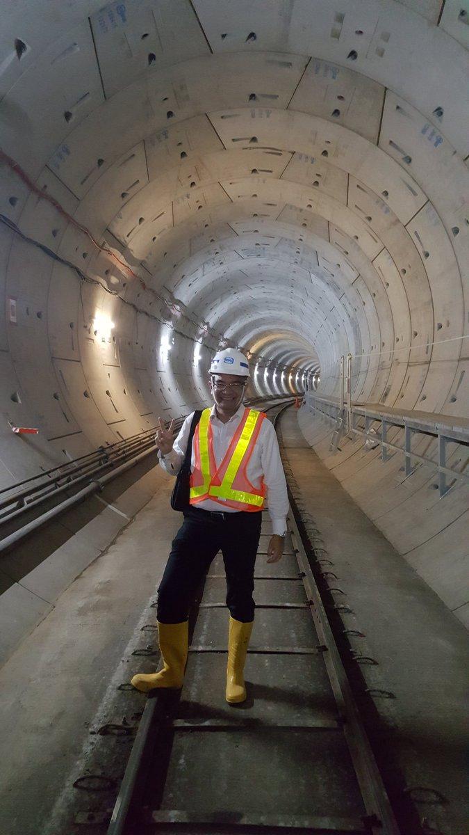 Kedalaman 14 meter di bawah tanah Jakarta. Terima kasih Pak Jokowi dan Pak Ahok yang membuat proyek ini berjalan. https://t.co/dQXKYPUHGf
