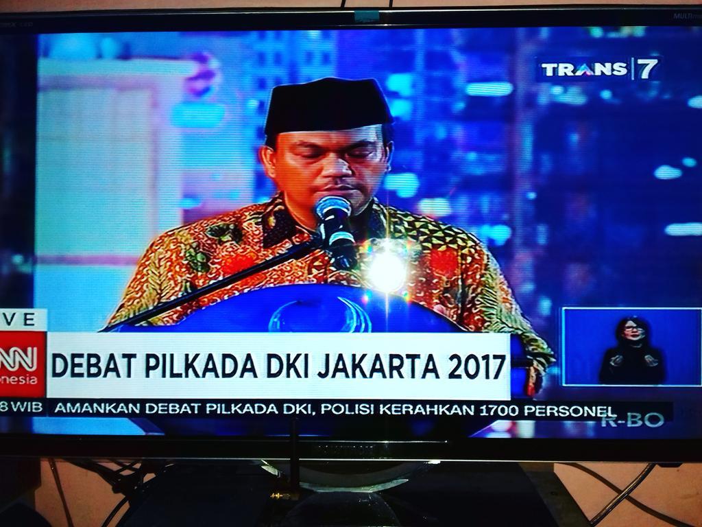 RT @muhammadamzar43: DEBAT PILKADA DKI JAKARTA  silahkan apa dan siapa menurut anda https://t.co/D9DchSCYh7