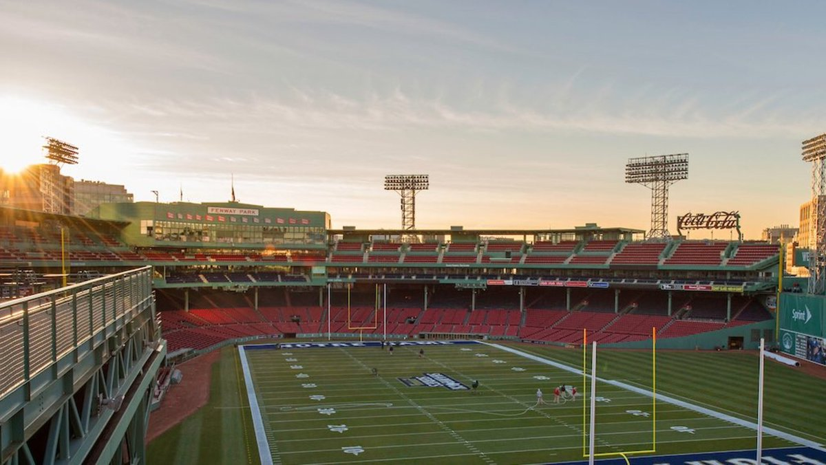 ICYMI — Football will return to @fenwaypark this fall: https://t.co/a527SGjxU1 via @RedSox #FenwayPark #MyFenway https://t.co/0w2bbD4EVS