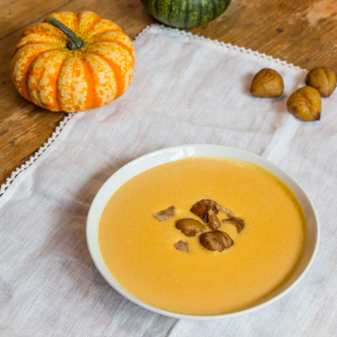 Why not pick up a Pumpkin-Chestnut Soup at the counter? 💥A high energy, vitamin hit to keep you winter healthy💥