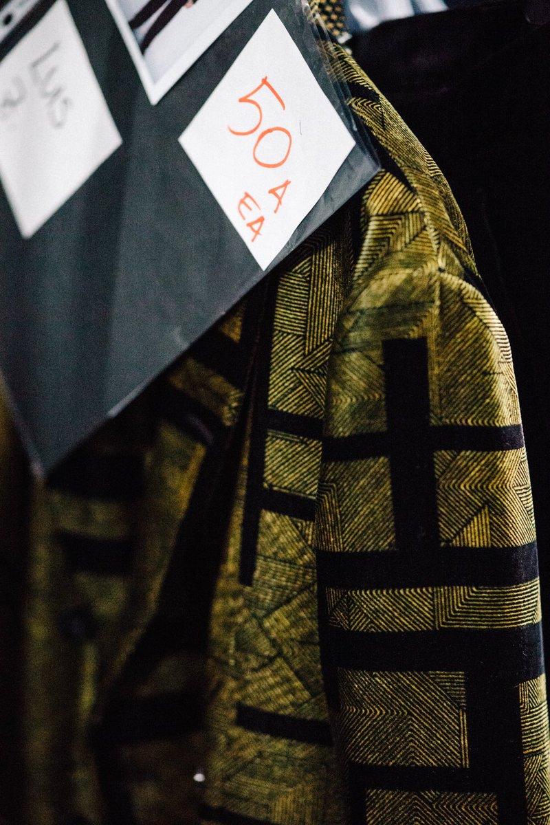 ショーの出番をまつ秋冬コレクション。エンポリオ アルマーニ 17-18FW コレクションショーをお楽しみに。#MFW https://t.co/v6Wgfg1t2g #EmporioArmani photo by @Le21eme https://t.co/fvHpjk6nCX