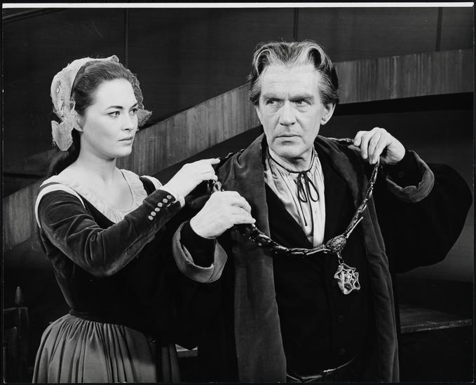 Happy birthday to Faye Dunaway, here w/ William Roderick in A MAN FOR ALL SEASONS, 1963. Via
