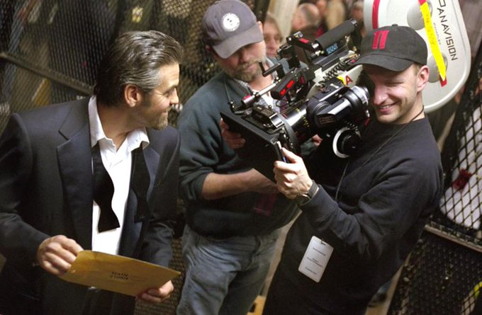 Happy 54th birthday to Steven Soderbergh, seen here w/ George Clooney on the set of \Ocean\s Eleven\ (2001).