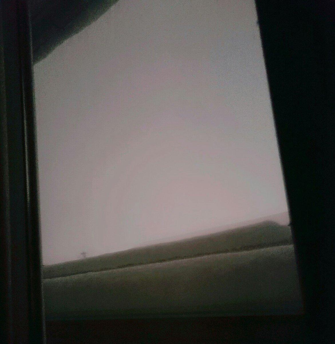 お空きいろい  うまくうつらない  てか雪すごい https://t.co/c18r9Dtbu1