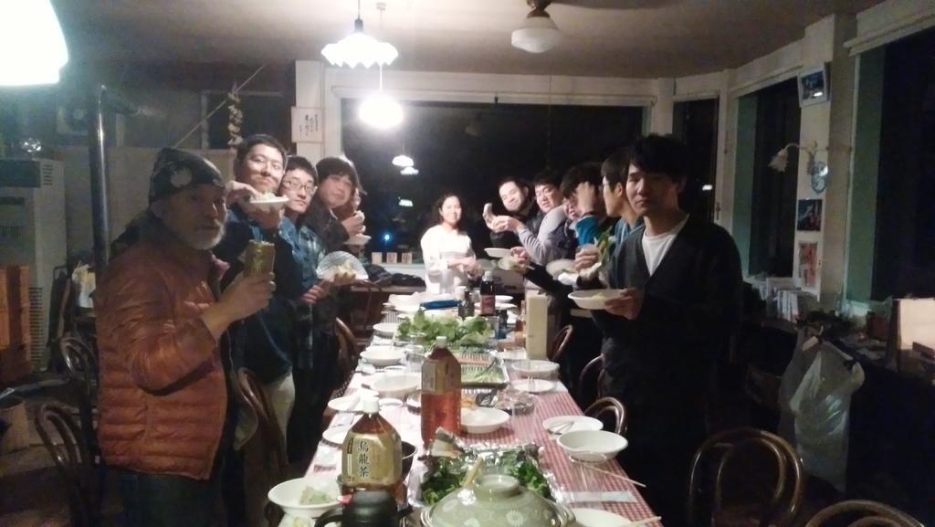 第13回凪のあすからファン交流会天女座で、ベトナムのシャオさんが生春巻きを作ってくれたのと、ミッチーさんの手料理で盛り上