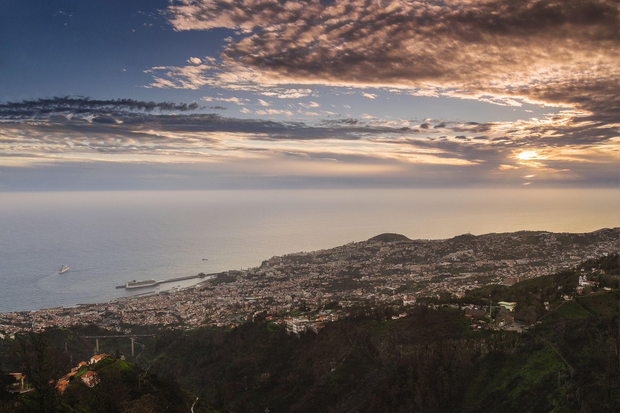 Sunset ( #notsex ) and the City - Funchal - Madeira Island #sharingmadeira Photo by Luisftas https://t.co/UypQKe5pMM