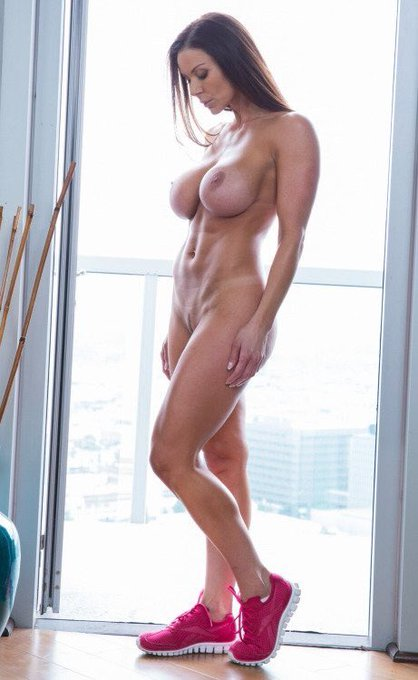 1 pic. #LustArmy vote for avn hottest milf  https://t.co/coCa1pEXhq https://t.co/DhQoayGG9z